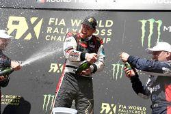 Podio: vincitore Petter Solberg, secondo posto Andreas Bakkerud, terzo posto Reinis Nitiss