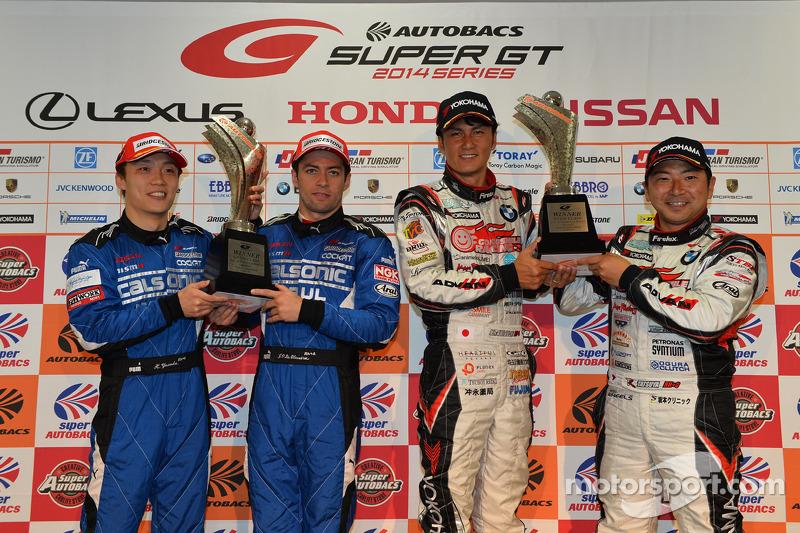 GT500 Kazanan Hironobu Yasuda, Joao Paulo de Oliveira ve GT300 Kazanan Nobuteru Taniguchi, Tatsuya Kataoka