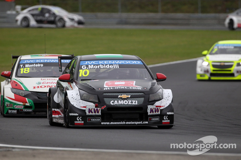 Gianni Morbidelli, Chevrolet Cruze RML TC1, ALL-INKL_COM Munnich Motorsport porta Tiago Monteiro, Ho