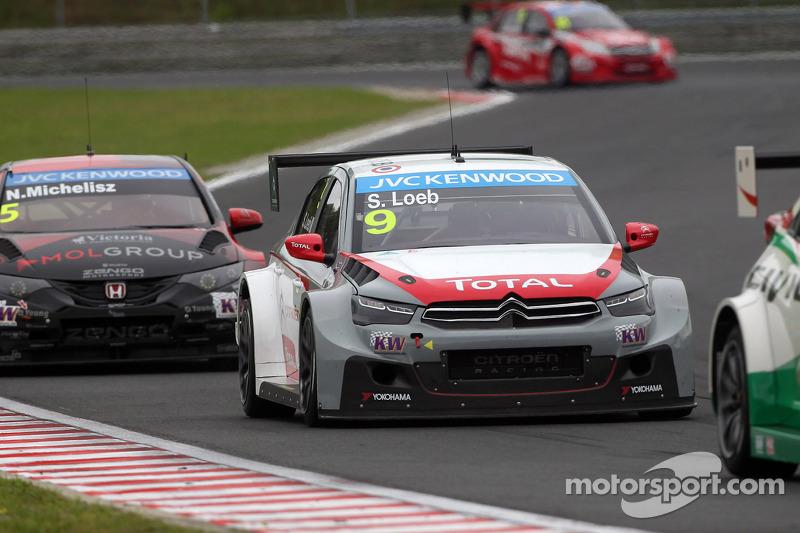 Sébastien Loeb, Citroen C-Elysee WTCC, Citroen Total WTCC davanti a Norbert Michelisz, Honda Civic WTCC, Zengo Motorsport