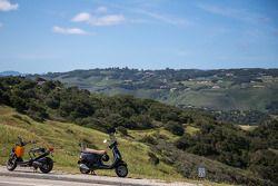 Groene heuvels bij Laguna Seca
