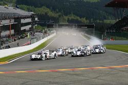 Départ : #14 Porsche Team Porsche 919 Hybrid: Romain Dumas, Neel Jani, Marc Lieb