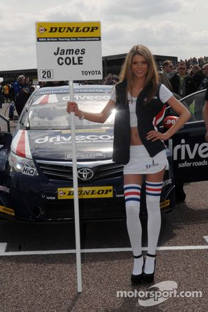 United Autosport Grid girl