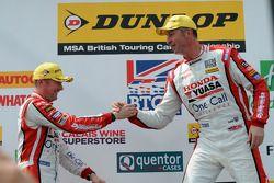 Honda Yuasa Racing : Matt Neal et Gordon Shedden sur le podium