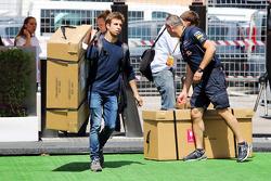 Antonio Felix da Costa, Red Bull Racing Test Driver carrying a large box through the paddock