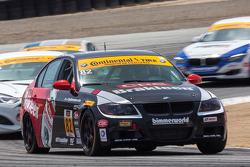 #82 BimmerWold Racing 宝马 328i: 丹尼尔·罗杰斯, 塞斯·托马斯