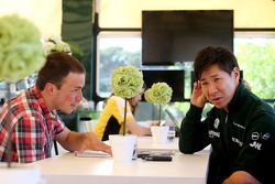 Kamui Kobayashi, Caterham F1 Team parla con Gregory Demoen, giornalista F1i.com
