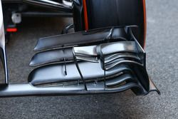 Williams FW36 front wing detail
