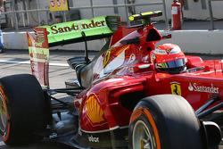 Kimi Raikkonen, Ferrari F14-T flujo de pintura en el alerón trasero