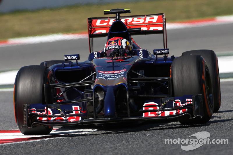 В 2014 году у команды были спонсоры, независимые от Red Bull. На заднем антикрыле болида Квята можно увидеть логотип испанской нефтяной компании Cepsa. При этом ни одного испанца в Toro Rosso в тот момент не было: партнером Квята оставался француз Жан-Эрик Вернь