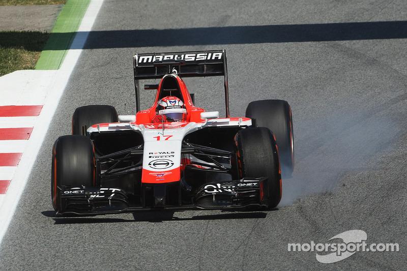 Jules Bianchi, Marussia F1 Takımı MR03 frenleme altında lastiklerini kilitliyor