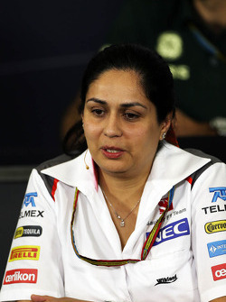 Monisha Kaltenborn, director del equipo Sauber en la conferencia de prensa de la FIA