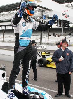 Vencedor da corrida Matthew Brabham