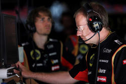 Mark Slade, Lotus F1 Team Race Engineer