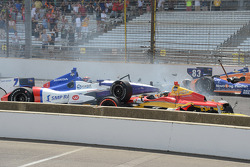 Sebastian Saavedra, KV Racing Technology Chevrolet is hit by Mikhail Aleshin, Schmidt Peterson Hamilton Motorsports Honda after stalling at the start