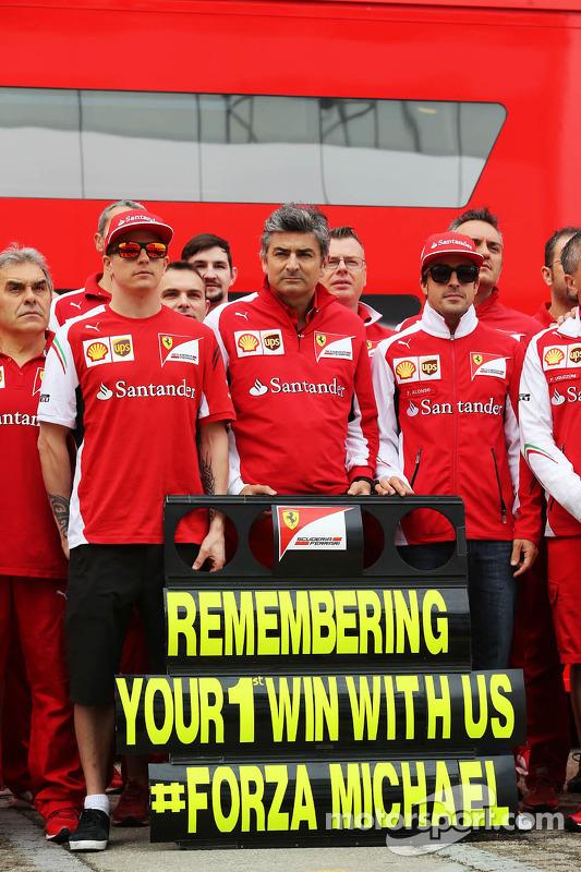 (Soldan Sağa): Kimi Raikkonen, Ferrari, Marco Mattiacci, Ferrari Takım Müdürü, Fernando Alonso, Ferr