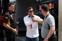 Federico Gastaldi, Lotus F1, Stellvertretender Teamcheff; Steve Robertson, Fahrermanager; Ron Meadow