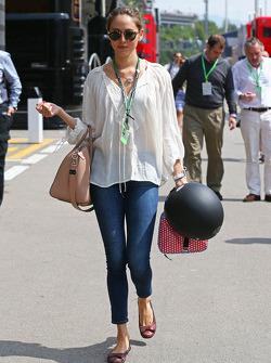 Jessica Michibata, novia de Jenson Button, McLaren, en el desfile de pilotos
