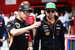 Pastor Maldonado avec Sergio Pérez lors de la parade des pilotes