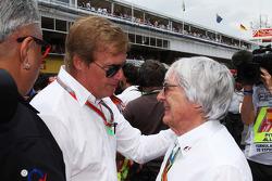 Dr. Vijay Mallya, Sahara Force India F1, Teambesitzer; Danny Sullivan, FIA-Rennkommissar; Bernie Ecc