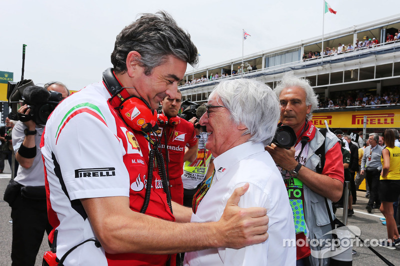 Marco Mattiacci avec Bernie Ecclestone sur la grille