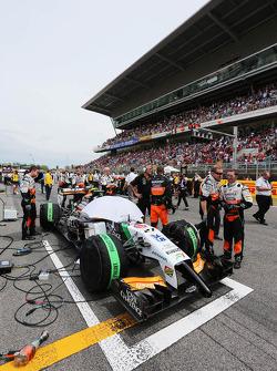 Sergio Pérez, Sahara Force India F1 VJM07 en la parrilla