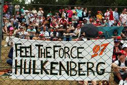 Una pancarta apoyando a Nico Hulkenberg del equipo Sahara Force India F1