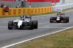 Valtteri Bottas, Williams F1 Team and Sebastian Vettel, Red Bull Racing