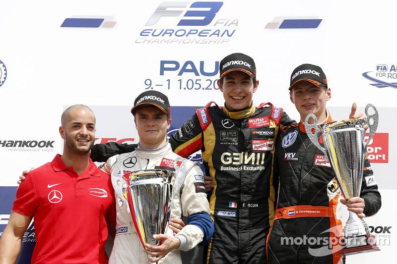 Podyum: Yarış galibi Esteban Ocon, ikinci sıra Lucas Auer, üçüncü sıra Max Verstappen