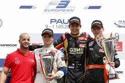 Podium: racewinnaar Esteban Ocon, tweede plaats Lucas Auer, derde plaats Max Verstappen