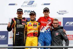 Podio: vincitore Tom Blomqvist, secondo posto Esteban Ocon, terzo posto Jake Dennis