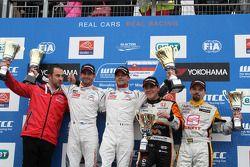 Sébastien Loeb, Citroen C-Elysee WTCC, Citroen Total WTCC, Jose Maria Lopez, Citroen C-Elysee WTCC, Citroen Total WTCC, Norbert Michelisz, Honda Civic WTCC, Zengo Motorsport, SEAT Leon WTCC, Campos Racing