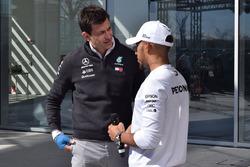 Льюіс Хемілтон, Mercedes-AMG F1, керівник Mercedes AMG F1 Тото Вольфф