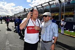 Frederic Vasseur, Sauber, Team Principal on the grid