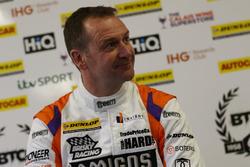 Michael Caine, Team Hard Volkswagen CC
