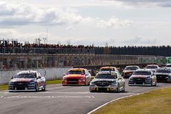 Starting grid Shane van Gisbergen, Triple Eight Race Engineering, Craig Lowndes, Triple Eight Race Engineering Holden