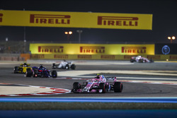 Esteban Ocon, Force India VJM11 Mercedes, Brendon Hartley, Toro Rosso STR13 Honda, and Carlos Sainz Jr., Renault Sport F1 Team R.S. 18