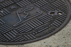 A map of the Shanghai Circuit on a drain cover