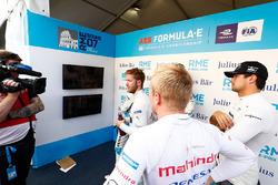 Felix Rosenqvist, Mahindra Racing, Sam Bird, DS Virgin Racing, Nelson Piquet Jr., Jaguar Racing, in the media pen