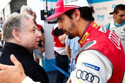 Lucas di Grassi, Audi Sport ABT Schaeffler, greets Jean Todt, FIA President