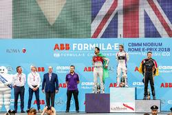 Yarış galibi Sam Bird, DS Virgin Racing, 2. Lucas di Grassi, Audi Sport ABT Schaeffler, 3. Andre Lotterer, Techeetah