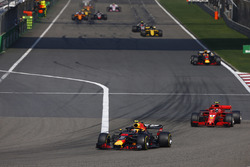 Max Verstappen, Red Bull Racing RB14 Tag Heuer, Kimi Raikkonen, Ferrari SF71H, Daniel Ricciardo, Red Bull Racing RB14 Tag Heuer, and Nico Hulkenberg, Renault Sport F1 Team R.S. 18