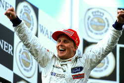 Ganador de la carrera Johnny Herbert, Stewart Ford SF3