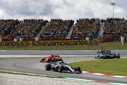 Lewis Hamilton, Mercedes AMG F1 W09, Sebastian Vettel, Ferrari SF71H and Valtteri Bottas, Mercedes AMG F1 W09