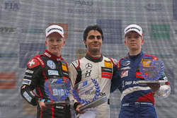 Rookie Podium: Winner Enaam Ahmed, Hitech Bullfrog GP Dallara F317 - Mercedes-Benz, seocnd place Fabio Scherer, Motopark Dallara F317 - Volkswagen, third place Robert Shwartzman, PREMA Theodore Racing Dallara F317 - Mercedes-Benz