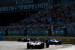 Antonio Felix da Costa, Andretti Formula E Team, precede Stéphane Sarrazin, Andretti Formula E Team, Andre Lotterer, Techeetah