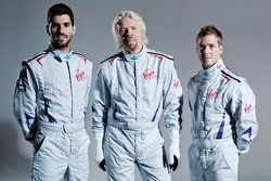 Virgin Racing : Jaime Alguersuari et Sam Bird avec Sir Richard Branson
