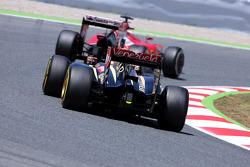 Pastor Maldonado, Lotus F1 Team y Kimi Raikkonen, Scuderia Ferrari