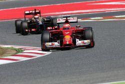 Kimi Raikkonen, Scuderia Ferrari y Pastor Maldonado, Lotus F1 Team