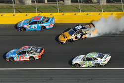Trouble for Marcos Ambrose, Richard Petty Motorsports Ford